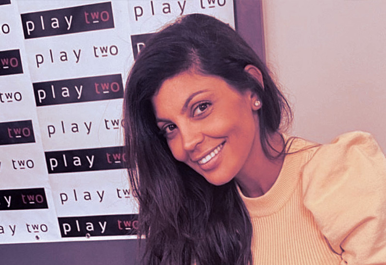 Nawell Madani rejoint Play Two Live